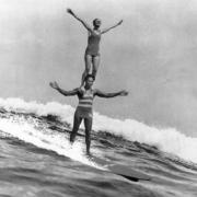 The Duke et Isabel Lethman en surf tandem